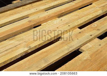 Very sturdy pine wooden shipping a palette