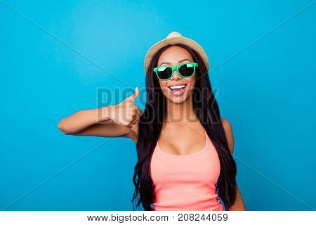 I Like Summer Holidays, Relax, Rest, Chill! Excited Carefree Gorgeous Traveller In Trendy Shiny Spec