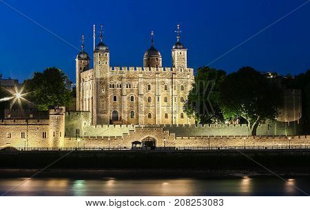 The tower of London is one of the world's most famous fortresses and hes seen service as royal palace , prison, armoury and even a zoo.Situated in central London.