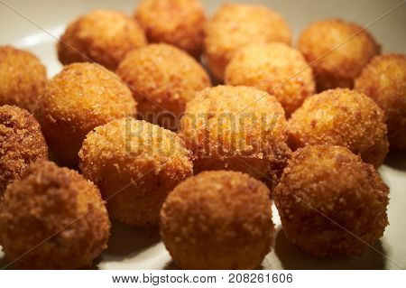 Vegetarian Fried Falafel Chicken Balls