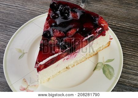 Creamy Mascarpone Cheesecake With Strawberry
