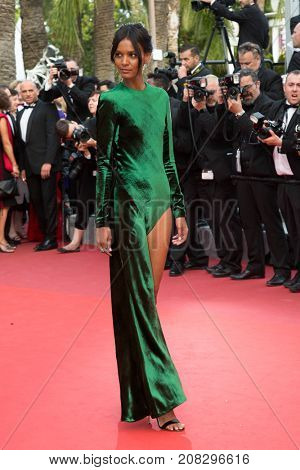 CANNES, FRANCE - MAY 18: Liya Kebede attends the 'The Unkown Girl (La Fille Inconnue)'  premiere during the 69th annual Cannes Film Festival at the Palais des Festivals on May 18, 2016 in Cannes