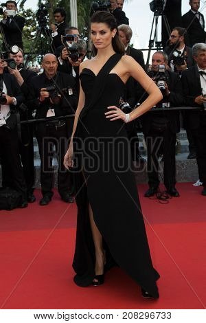 CANNES, FRANCE - MAY 18: Isabeli Fontana attends the 'The Unkown Girl (La Fille Inconnue)'  premiere during the 69th annual Cannes Film Festival at the Palais des Festivals on May 18, 2016 in Cannes
