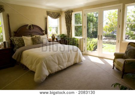 Bedroom And Garden 1313