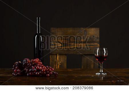 Merlot, Bordeaux Or Cabernet Wine Composition. Set Of Dark Grapes