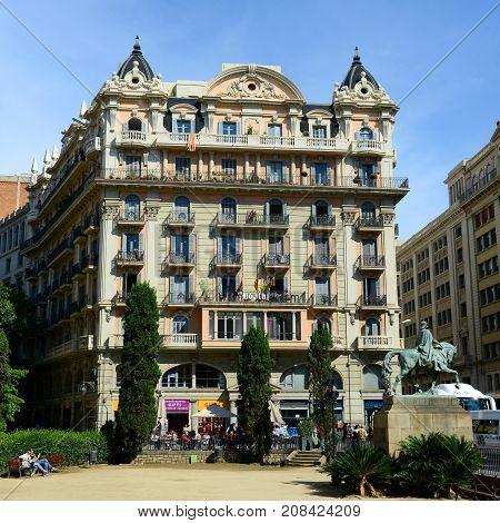 BARCELONA - JUN. 9, 2013: Casa Valentí Soler was built during 1926 at No.29 Via Laietana in the Old City (Ciutat Vella) of Barcelona, Catalonia, Spain.