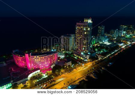 Fontainebleau Hotel Miami Beach At Night
