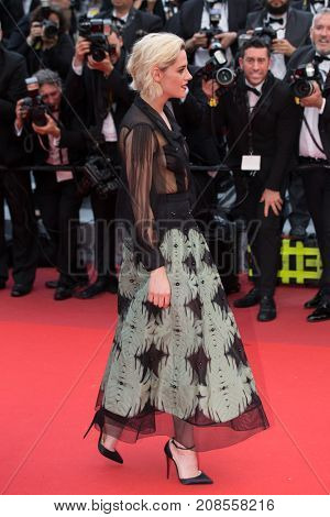 CANNES, FRANCE - MAY 11: Kristen Stewart attends the 'Cafe Society' premiere and the Opening Night Gala. 69th annual Cannes Film Festival at the Palais des Festivals on May 11, 2016 in Cannes