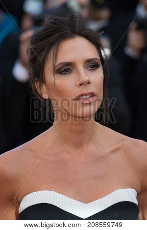 CANNES, FRANCE - MAY 11: Victoria Beckham attends the 'Cafe Society' premiere and the Opening Night Gala.  69th annual Cannes Film Festival at the Palais des Festivals on May 11, 2016 in Cannes