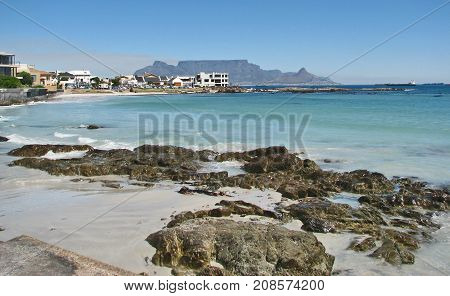BLOUBERG STRAND, CAPE TOWN, SOUTH AFRICA ON A CLEAR SUMMER DAY