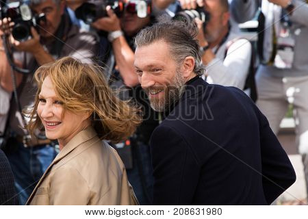 CANNES, FRANCE - MAY 19, 2016: N. Baye , V.Cassel attend the 'It's Only The End Of The World (Juste La Fin Du Monde)'  photocall during the 69th annual Cannes Film Festival at the Palais des Festivals