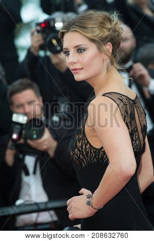 CANNES, FRANCE - MAY 16: Mischa Barton attends the 'Loving' premiere during the 69th annual Cannes Film Festival at the Palais des Festivals on May 16, 2016 in Cannes