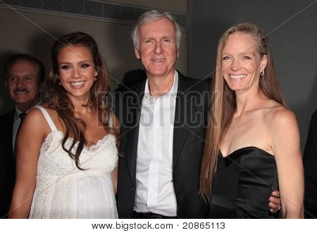 LOS ANGELES - JUN 09:  Jessica Alba, James Cameron & Suzy Amis arrive at Covenant House 2011 Gala  on June 09, 2011 in Los Angeles, CA
