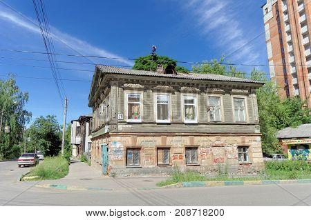 Nizhny Novgorod, Russia. - June 30.2016. Double Decker House On The Street Nizhegorodskaya.