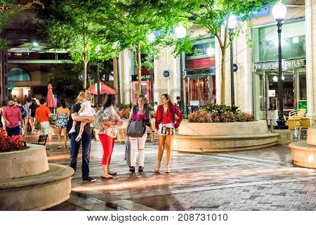 Washington Dc, Usa - August 4, 2017: People Family Walking On Sidewalk By Restaurants In Georgetown