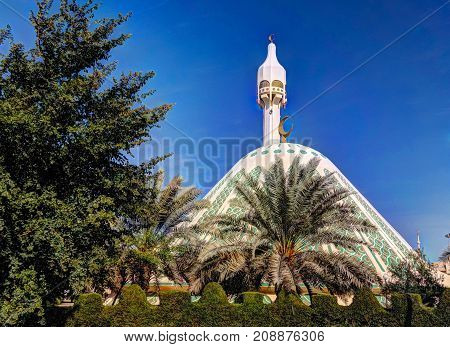 Exterior view to Fatima mosque in Kuwait