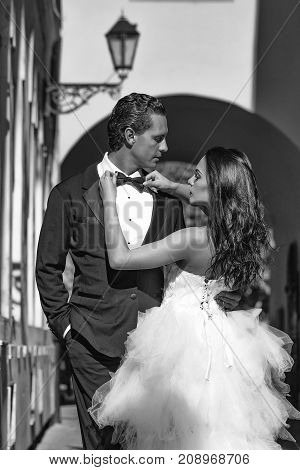 Wedding Sexy Couple In Arch With Street Lamp