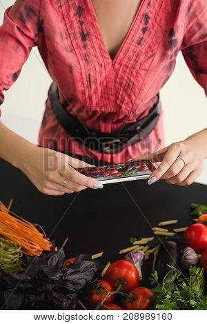 mobile food photography stylist art e-commerce concept