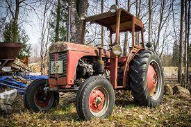 Orebro Sweden 04 September 2017 Ferguson Tractor On  A Scrapyard