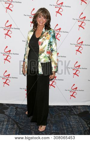 LOS ANGELES - JUN 23:  Jess Walton at the Young and The Restless Fan Club Luncheon at the Marriott Burbank Convention Center on June 23, 2019 in Burbank, CA