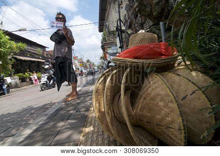 Ubud, Bali, Indonesia - 12th April 2019 : Low Angle Street View Of Jalan Raya In Ubud With Some Trad