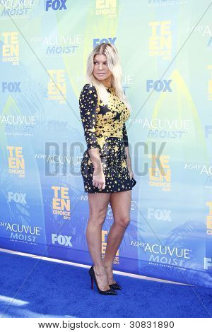 LOS ANGELES - AUG 7: Fergie aka Stacy Ferguson arrives at the 2011 Teen Choice Awards held at Gibson Amphitheatre on August 7, 2011 in Los Angeles, California