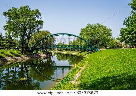 Romantic View Of Porsuk River With Bridge In Eskisehir, Turkey. Eskisehir Is A Modern City In Center