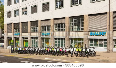 Zurich, Switzerland - May 27, 2019: Windows Of The Qualipet Store On Limmatstrasse Street In The Cit