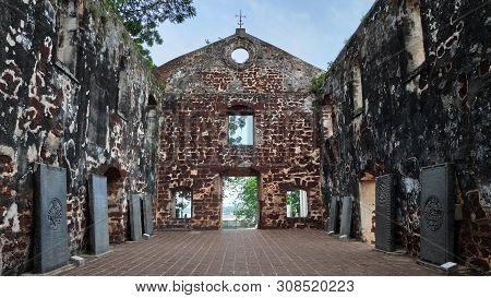 Melaka, Malaysia - 25 Jun, 2019: Stones Inside The Church Of Saint Paul In Melaka, This Church Was O