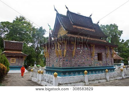 Luang Prabang, Laos - August 17: Unidetified Child Buddhist Monk In A Wat Xieng Thong Temple On Augu
