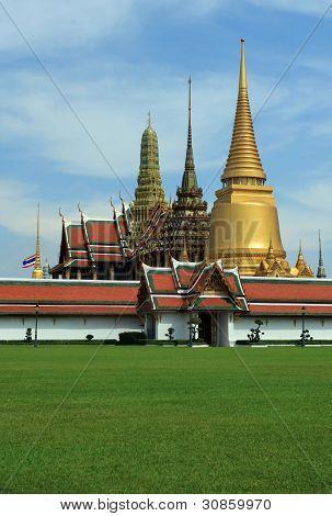 Wat Ph-ra Kaeo (Wat Phra Sri Rattana Satsadaram)