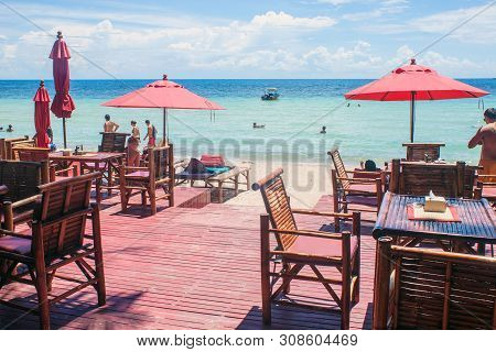 Ko Tao, Thailand - August 28: Beach Restaurant At Ko Tao, Thailand On August 28, 2013. Ko Tao Is Sma