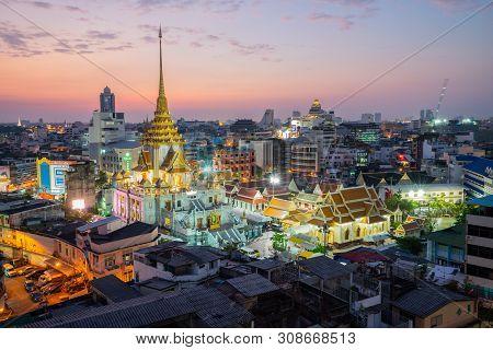 Bangkok, Thailand - November 26, 2018: Cityscape Of Bangkok At Wat Trimitr, Buddhist Temple, Area In