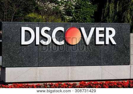 Riverwoods - Circa June 2019: Discover Financial Services Headquarters. Discover Offers Credit Cards
