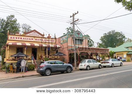 People Enjoying The Long Weekend In Kangaroo Valley, A Charming Village Known For Its Historic Bridg