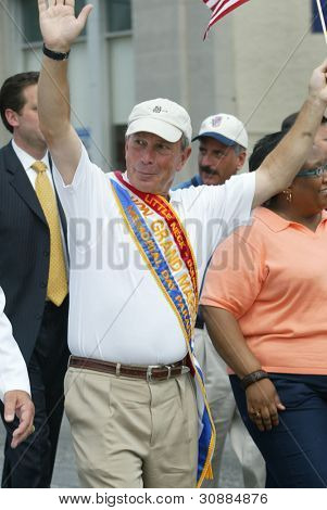 NEW YORK - MAY 29: NYC Mayor Michael Bloomberg waves as he attends the Little Neck/Douglaston Memorial Day Parade May 29, 2006 in Queens, NY.