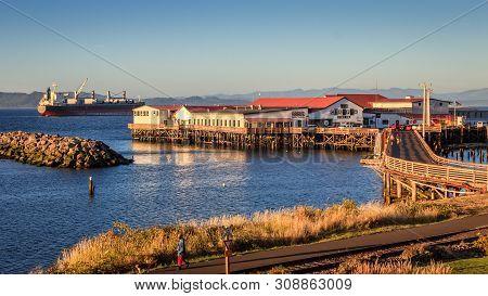 Astoria, Oregon, United States Of America - 09-15-2016 : The Sun Sets On Pier 39 In Astoria, Oregon