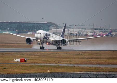 Budapest, Hungary - September 28, 2020: Lot Polish Airlines Boeing 787-8 Dreamliner Sp-lrg Passenger