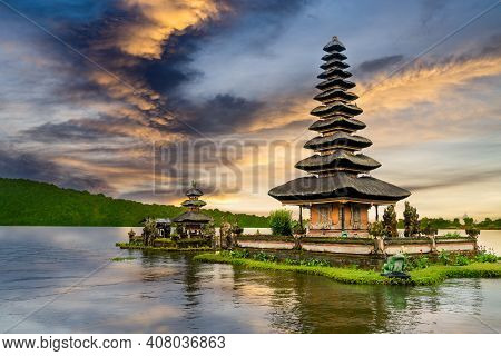 Ulun Danu Bratan Temple Sunset With Dramatic Colorful Reflection