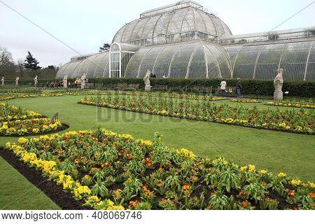 London, Uk - March 28, 2018: Kew Garden In Spring On March 29, 2018 In London, Uk.