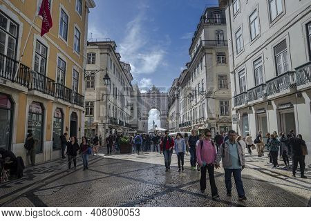 Lisbon, Portugal - April 18, 2019: Views Of The Rua Augusta Arch From De Augusta Street. It Was Buil