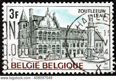 Belgium - Circa 1973: A Stamp Printed In Belgium Shows Town Hall, Leau, A Municipality And City In T