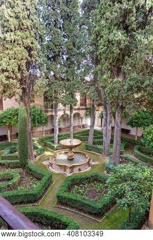 The Jardin De Lindaraja In The Nazaries Palace In The Alhambra In Granada