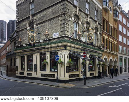London, Uk, April 2014 - Facade Of The Adam And Eve Public House In The City Of London, Uk