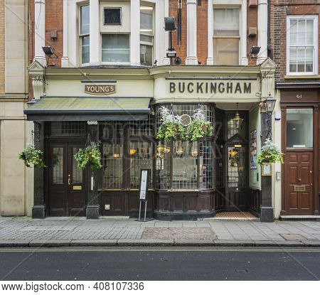 London, Uk, April 2014 - Facade Of The Buckingham Public House In The City Of London, Uk