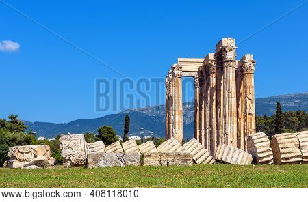 Zeus Temple In Athens, Greece, Europe. It Is Famous Monument And Landmark Of Athens. Scenic Panorama