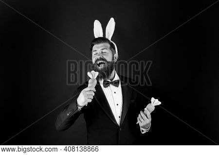This Easter Will Be Filled With Music. Easter Bunny Sing Karaoke Song. Using Carrot For Microphone.