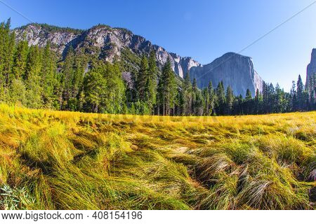 The  rock-monolith El Capitan. Yosemite Park is located on the slopes of the Sierra Nevada. Yosemite Valley. Western Cordillera. The park is declared a World Heritage Site