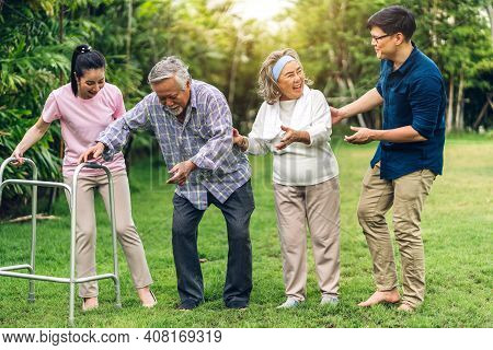 Portrait Enjoy Happy Smiling Love Multi-generation Asian Big Family.senior Mature Father And Elderly