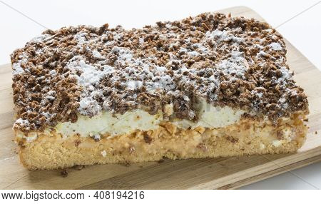 Aple Pie With Whipped Cream On Top